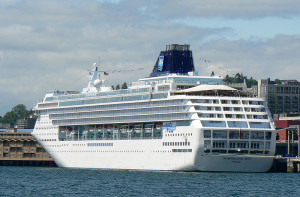 800px-Seattle_Cruise_Ship